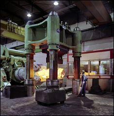 industrial photography 4000 ton forging press