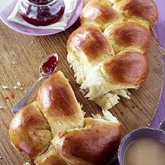 Geflochtenes Brioche-Brot Rezept | LECKER
