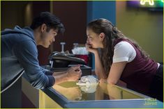 ross butler talks 13rw zach hannah 01