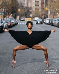 Dance Photography Poses, Dance Poses, People Photography, Black Women Art, Beautiful Black Women, Black Girls Rock, Black Girl Magic, Black Dancers, Black Ballerina