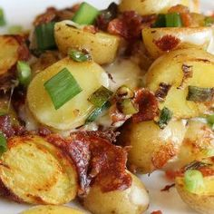 Thinly sliced potatoes are topped with bacon, cheese and onions. This sounds so comfort food yummy!