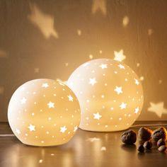Stern Lampe Kinderzimmer: ✓ Porzellankugel ✓ Erzeugt Lichtpiele Mit  Sternenmotiven ✓ Farbe: Weiß ✓