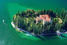 Salsa Beach Splash is a 6 day festival held from 5th – 10th, July 2016 in gorgeous Solaris Beach Resort, near Šibenik, in Croatia.