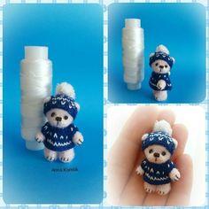 Малышка Катрин. Эксперементы. Рост 4.2см (с шапкой). Самостоятельная. Голова и конечности подвижны. Вся одежда снимается. #амигуруми #миниатюра #минимишка #миник #игрушка #идеи #творчество #творчествобезграниц #вязаниеслюбовью #вяжутнетолькобабушкиноимамочки #вязаниеназаказ #игрушкавладошку #amigurumi #miniatures #minibear #hobby #handcraft #weamiguru #fabbyfeed #мастеркрафт #мишка #авторскаяигрушка #игрушкаручнойработы
