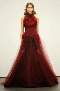 I would so get hitched in this mod vera wang.