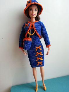 vêtement poupée mannequin Barbie (334)