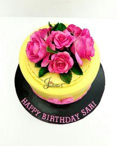roses🌹  #sugarroses ,#cake #itsbakedbyjulitta