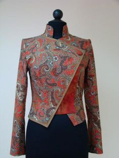 What about this jacket? Fabric used here is . Iranian Women Fashion, African Fashion, Womens Fashion, Mode Batik, Blouse Batik, Classy Work Outfits, Batik Fashion, Indian Designer Wear, African Dress