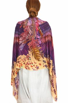 A representation of nature, freedom and beauty! You'll love this beautiful hand painted scarf.