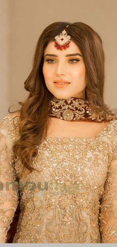 Pakistani Wedding Dresses, Pakistani Dress Design, Pakistani Bridal, Wedding Dress Styles, Bridal Dresses, Awesome Dresses, Nice Dresses, Designer Party Wear Dresses, Girls Jewelry