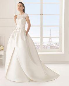 Rosa Clara Two 2016 Spring Bridal Collection Princess Style Wedding Dresses, 2015 Wedding Dresses, Elegant Wedding Dress, Wedding Gowns, Bridesmaid Dresses, Timeless Wedding, Lace Bridal, Bridal Gowns, Ball Dresses