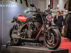 You must check the new 2100 CC Beast – Hesketh Valiant. Presented at the Carole Nash MCN London fair, this dangerous engine is brave design phenomenon.