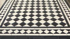 London Mosaic - Traditional Black and White Tiled Path White Mosaic Bathroom, Bathroom Floor Tiles, Tile Floor, Bathroom Kids, Small Bathroom, Bathrooms, Black And White Stairs, Black And White Tiles, Tiled Hallway