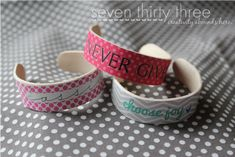 Cute popsicle stick bracelet! Love! @seven thirty three  - - - a creative blog #733 #Craft #Popsicle Stick