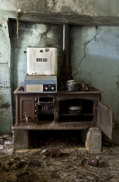 I bet the bread is stale. #abandon