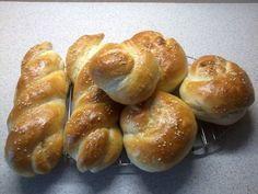 Slané pletienky • recept • bonvivani.sk Pretzel Bites, Bread, Food, Basket, Brot, Essen, Baking, Meals, Breads