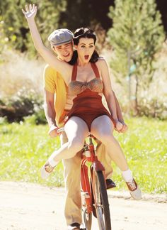 Katie Perry bike riding! #KatiePerry #cycling #bicycle