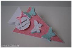 Einladungen zur Einschulung, gestaltet als Schultüte mit Schmetterlingen versehen.  Die Farbe der Einladungen, sowie der Schmetterlinge ist frei wählbar.  Beschriftung auf dem Anhänger kann...