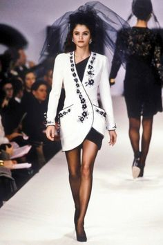 Chanel Haute Couture Spring/Summer 1990