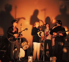The Velvet Underground at the Factory of Andy Warhol The Velvet Underground, 60s Music, Music Icon, Andy Warhol, David Bowie, Music Is Life, Live Music, Everybody's Darling, Psychedelic Rock