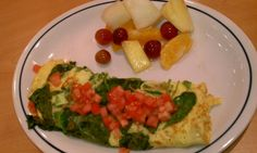 Whole30 Day 20 Breakfast: IHOP Build your own Omelet with tomatoes, spinach, green peppers, onion, no cheese and no butters or oils. Fresh fruit on the side.
