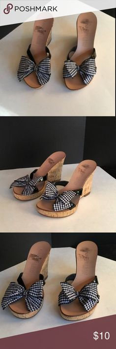 Anne Klein checkered bow patent leather wedges 7.5 Anne Klein checkered bow patent leather wedges 7.5 pre owned in great condition as photographed Anne Klein Shoes Wedges