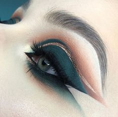 Double Liner, Beauty Makeup, Hair Makeup, Health And Beauty Tips, War Paint, Eye Make Up, Makeup Inspiration, Makeup Ideas, Eyeshadow Makeup