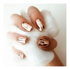 Metallic nails!  #nailart #sopretty #metallicnails #FashionistaNL