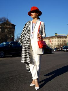 via Face Hunter and chicfeed.  Classic. White. Red. Chess. Androgyn but feminin. Chic.