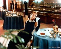 """Audrey Hepburn dans """"Diamants sur canapé"""". Un matin qui chante !"""