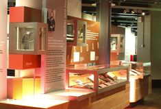 gallery display  |  churchill musuem