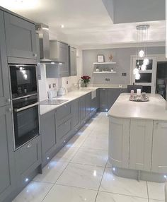Everything About New Kitchen Renovation Ideas Do It Yourself Home Decor Kitchen, Kitchen Remodel, Open Plan Kitchen Living Room, Home Kitchens, Open Plan Kitchen Diner, Kitchen Layout, Modern Kitchen Design, Large Open Plan Kitchens, Kitchen Design