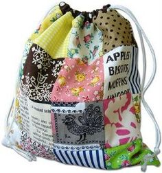 Reversible Drawstring Patchwork Bag quilting tutorial by Ayumi from Pink Penguin
