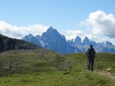 Wandern am Herz-Ass-Villgratentalweg - Blick in die Sextner Dolomiten. Kostenlose Infos zum Weg und/oder zur Region: http://www.weitwanderwege.com/wege/herz-ass-villgratental/? #wandern #weitwandern #weitwanderwege #österreich #osttirol #villgraten #herzass