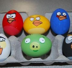 All things Angry Birds! From Easter Eggs to Birthday Cakes, the Angry Birds fan in you will surely find something fun to do! Angry Birds Eggs, Festa Angry Birds, Egg Birds, Holiday Crafts, Holiday Fun, Thanksgiving Crafts, Fun Crafts, Holiday Ideas, Easter Egg Designs
