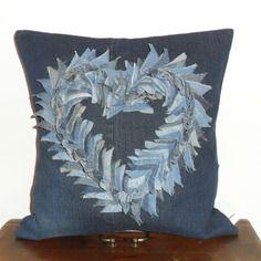 Housse de coussin blue jeans recyclé motif coeur