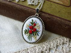 Embroidered Red roses necklace Retro vintage style pendant