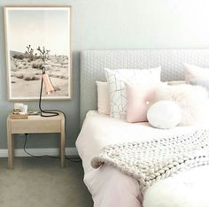 I love the simplicity and the light pastel colors used.
