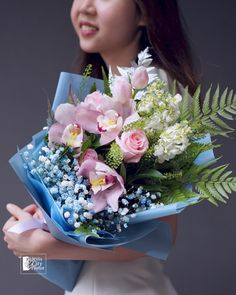 Cymbidium orchid bouquet. #singaporeflorist #floristsingapore #cymbidium #cymbidiumorchid #bouquet #handtiedbouquet #mixflowerbouquet #flower #flower #bouquets #flowersbouquet Orchid Bouquet, Flower Bouquets, Peony Flower, Flowers, Hand Tied Bouquet, Cymbidium Orchids, Flower Delivery, Special Day, Peonies