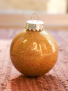 DIY glitter ornaments. make any colour you want!