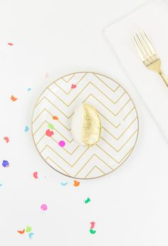 DIY // Edible Golden Egg Place Settings