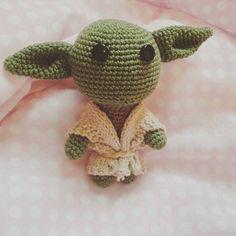 Meu primeiro amigurumi finalizado, Yoda :)