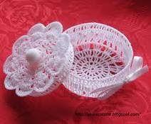 thread crochet wedding favors