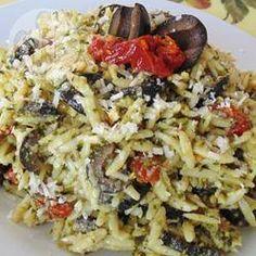 Orzo aux tomates séchées et aux olives kalamata @ qc.allrecipes.ca