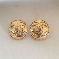 Vintage 1994 CHANEL 3cm CC Logo Earrings  #vintageCHANEL #CHANEL #vintageCHANELearrings #vintageCCearrings #vintageCCCHANELearrings #vintageCHANECCLearrings #vintageCClogoearrings #vintageCHANELlogoearrings