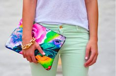 Floral print Jil Sander's style and mint jeans! Mint Pants, Pastel Pants, Green Pants, Floral Clutches, Fashion Network, Fasion, Passion For Fashion, Color Pop, What To Wear