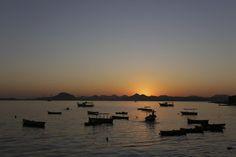 No Rio, os raios de sol das primeiras horas desta manhã de domingo. Foto: Carlos Ivan/ Agência O Globo