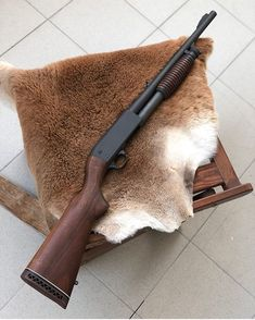 Ithaca Model 37 in 12 Gauge The Model 37 is a U. pump-action shotgun made in large numbers for the civilian, military, and police… Ithaca Shotgun, Firearms, Shotguns, Revolvers, Pump Action Shotgun, Cool Guns, Awesome Guns, Airsoft Guns, Tactical Guns