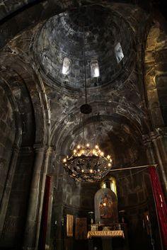 Geghard Monastery, Armenia. Pirmoji valstybė, oficialiai paskelbusi krikščionybę valstybine religija.