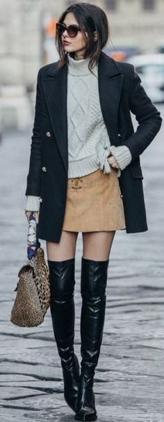 Camel Suede Skirt | Preppy Winter Outfit Street Style | The Golden Diamonds #camel